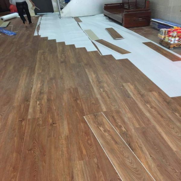 Thi công sàn nhựa hèm khóa giả gỗ Bắc Ninh