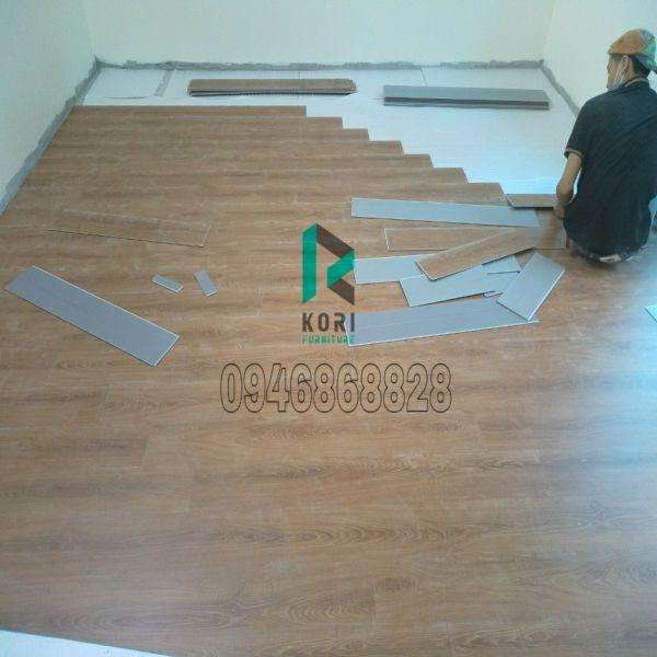 Thi công sàn nhựa giả gỗ Bắc Giang