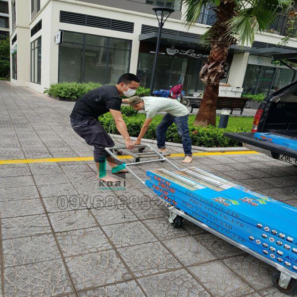 Vận chuyển sàn nhựa giả gỗ